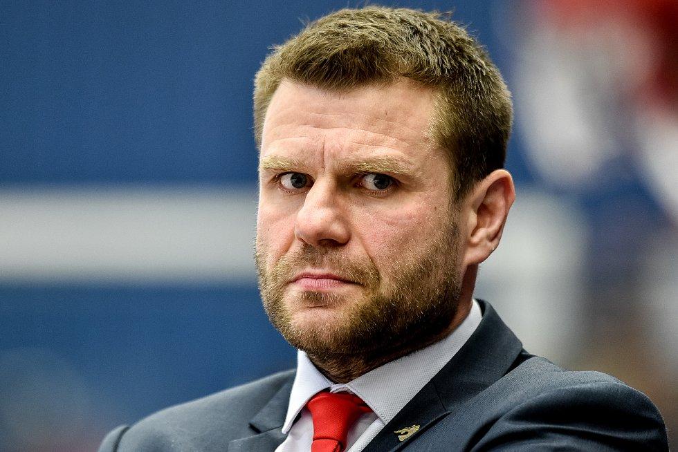Utkání 34. kola hokejové extraligy: HC Vítkovice Ridera - HC Oceláři Třinec, 12. ledna 2019 v Ostravě. Na snímku trenér Třince Václav Varaďa.