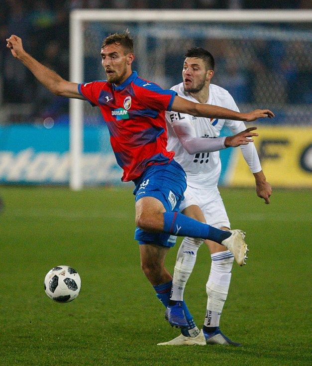 FC Baník Ostrava - FC Viktoria Plzeň, vpravo Patrizio Stronati