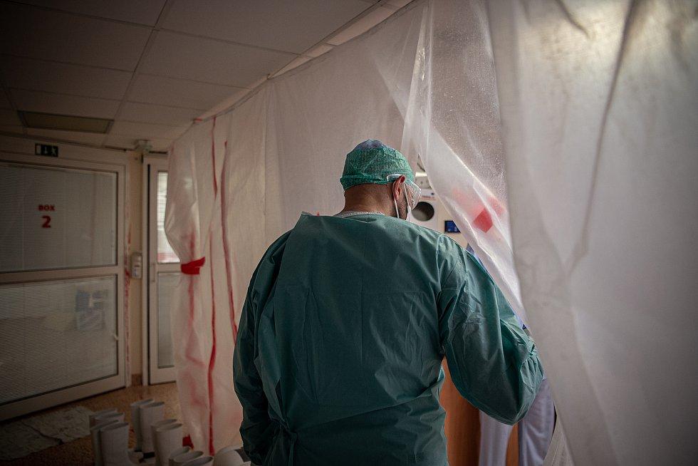 Špitály bojují s nakaženým personálem. Kovidová ARO jednotka v nemocnici AGEL Ostrava-Vítkovice.