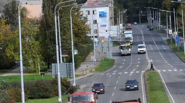 Snížení rychlosti na Bohumínské ulici by mohlo být bezpečnější pro chodce, snížil by se hluk i otřesy.