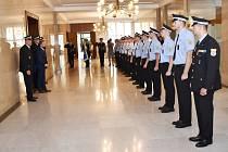 Třináct ostravských strážníků složilo slib před primátorem.