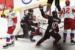 Mistrovství světa hokejistů do 20 let, finále: Rusko - Kanada, 5. ledna 2020 v Ostravě. Na snímku (střed) radost hráče Akil Thomas a Rapheal Lavoie (brankář) brankář Ruska Amir Miftakhov.