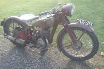 Zloděj ukradl historické motocykly, jejichž cena je 300 tisíc korun.
