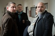 Daneš Zátorský a Radek Hradil (vpravo) u Krajského soudu v Ostravě, který je spolu s Davidem Rusňákem 31. ledna 2019 zprostil obžaloby z podílu na vytunelování ostravské záložny Unibon.