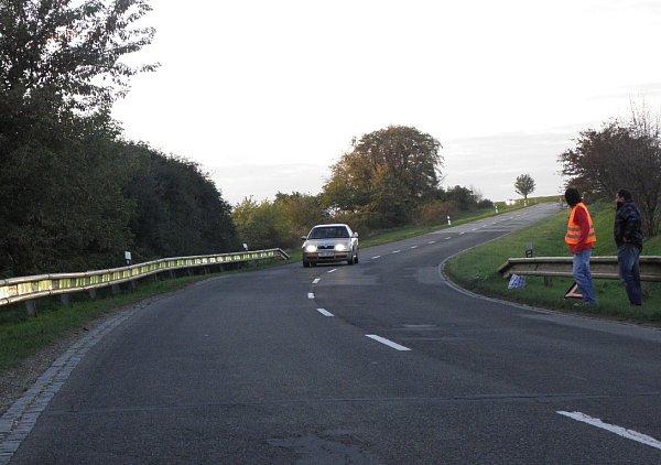 Svítící lišty nejen upozorní řidiče na nebezpečný úsek silnice, ale dokáží inahlásit, že je vmístě nehoda.