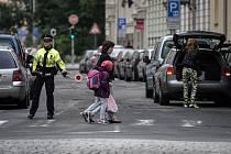 Strážníci se v pondělí objevili například na přechodech poblíž základní školy v ulici 30. dubna v Moravské Ostravě.