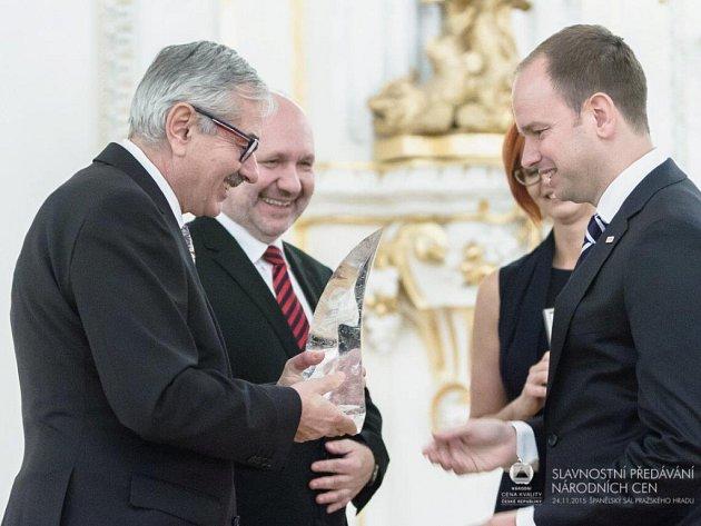 Ředitel Brose CZ přebírá Národní cenu ČR za CSR.