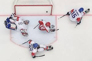 Mistrovství světa v parahokeji: Rusko - Česká republika, 23. června 2021 v Ostravě. (zleva) Evgenii Petrov  Martin Kudela