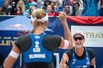 Turnaj Světového okruhu v plážovém volejbalu - semifinále, 24. června 2018 v Ostravě. Na snímku Markéta Sluková (2) a Barbora Hermannová (1).