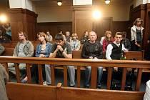 Snímek ze soudní síně. V ostravském justičním paláci probíhá hlavního líčení v případu jednoho z největších vlakových neštěstí u nás. Stalo se 8. srpna 2008 ve Studénce na Novojičínsku.