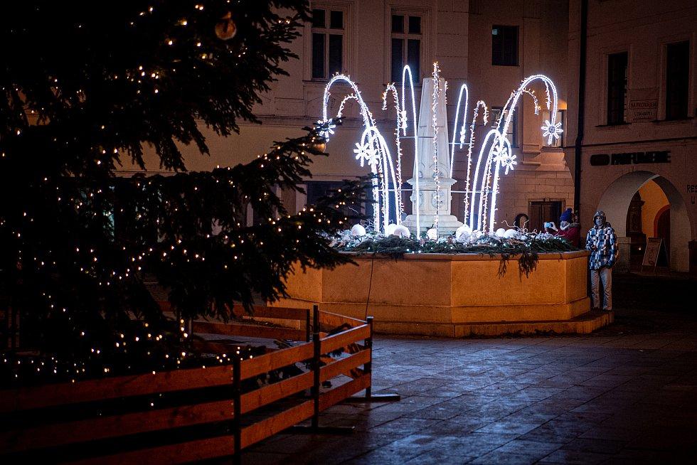 Vánoční strom ve Frýdku-Místku na Místecké náměstí.