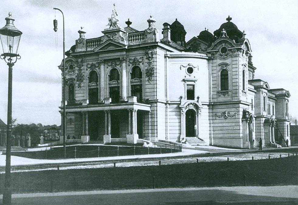 Městské divadlo 20. léta