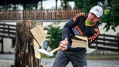 V pěti ze šesti soutěžních disciplín v sobotu zvítězil v dřevorubecké soutěži Stihl Timbersports Martin Komárek. Ten tak získal titul Mistra České republiky.