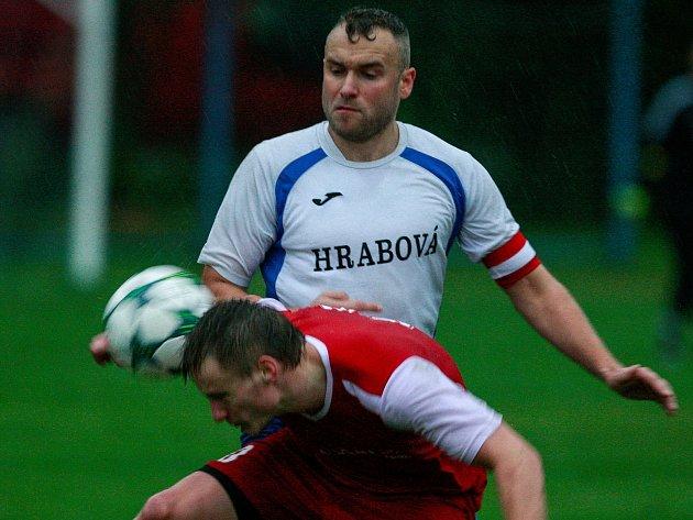 Fotbalisté Hrabové. Na snímku v bílém Jan Kroker.