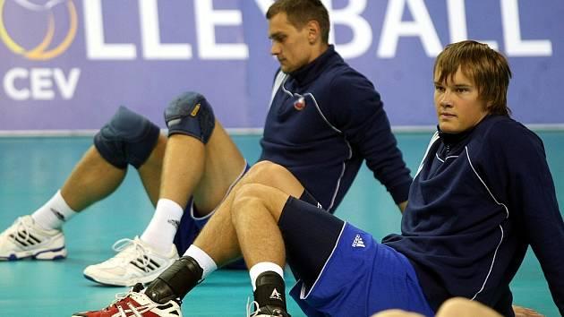 Jak trénují čeští volejbalisté? Pod vedením nizozemského kouče Stewarta Bernarda hodně tvrdě a celé léto.