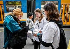 Bílá pastelka - veřejná sbírka na podporu programů pro nevidomé a slabozraké v Ostravě.