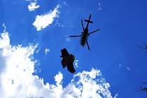 Ilustrační snímek. Zásah vrtulníku Horské služby Beskydy.