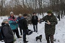 Ostravské haldě v neděli 7. dubna přišli popřát desítky lidí, kteří se zúčastnili tradiční procházky s Klubem českých turistů.