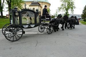 Pohřební kočár z Nové Bělé. Ilustrační foto.