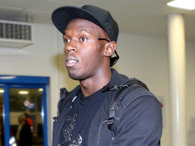 Nejzářivější hvězda letošní Zlaté tretry Ostrava, třiadvacetiletý jamajský sprinter Usain Bolt, dorazila krátce před pondělní půlnocí na mošnovské letiště.