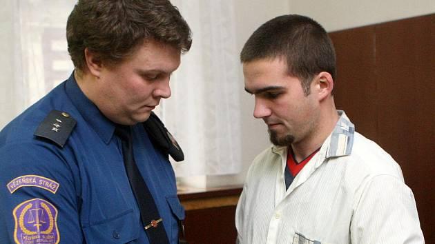 Martin Kunc, který zabil svého otce, by měl ve vězení strávit šestnáct let.