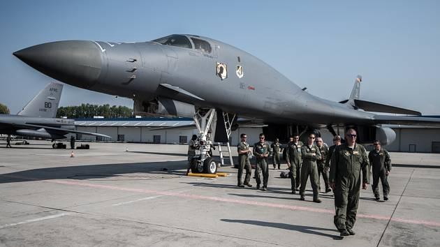 Na mošnovském letišti Leoše Janáčka přistály legendární americké letouny – strategický bombardér B52-H Stratofortress a nadzvukový bombardér B-1B Lancer – které budou hlavním lákadlem víkendových Dnů NATO.