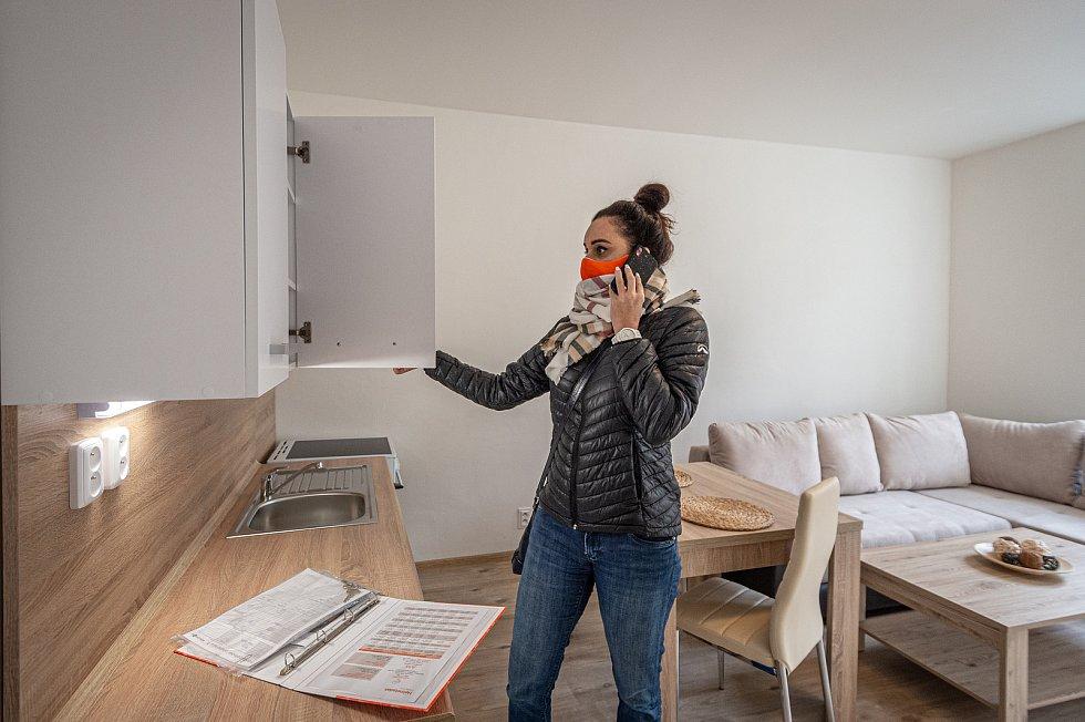 Prohlídku před pronájmem bytů nyní Heimstaden realizuje buďto přes předtočená videa, nebo za klientem vybraných komfortních opatřeních na místě. Zájemce si přitom byt může projít zcela sám.