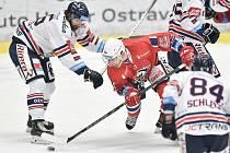 Utkání 40. kola hokejové extraligy: HC Vítkovice Ridera - HC Dynamo Pardubice, 9. ledna 2019 v Ostravě. Na snímku (zleva) Mrázek Jaroslav a Sýkora Petr.