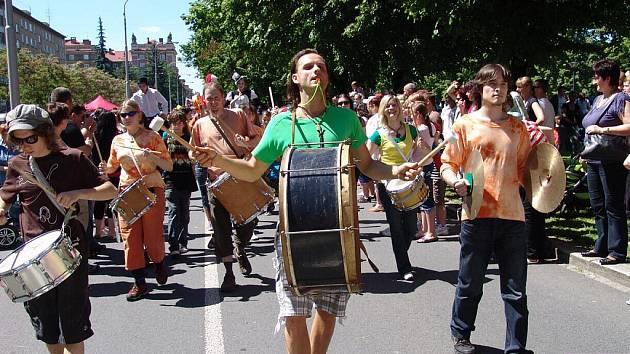 Občanské sdružení Kontinuo se chce mimo jiné podílet na rozvoji kulturní, společenské a sportovní úrovně obyvatel Ostravska a Moravskoslezského kraje.