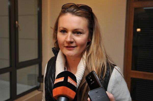 Ostravské herečce Ladě Bělaškové hrozí až čtyři roky vězení za útok na veřejného činitele.