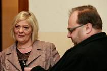V úterý u Krajského soudu v Ostravě pokračovalo hlavní líčení s ostravským lobbistou Martinem Dědicem. Na snímku manželé Novákovi.