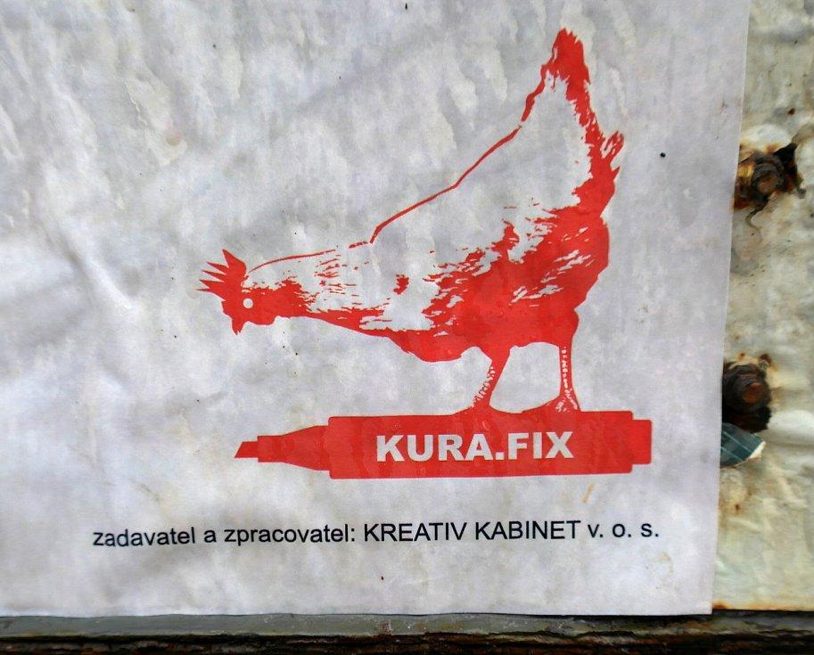Výlepová plocha u obchodního centra Kotva na sídlišti Zábřeh v obvodě Ostrava-Jih, kde je velkoformátový úpis Andreje Babiše za agenta komunistické tajné policie StB.