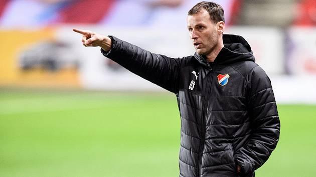 Nový trenér Baníku Ostrava Ondřej Smetana během utkání 22. kola na Slavii.