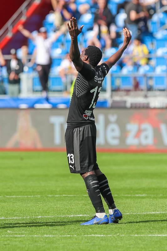 Utkání 4. kola nadstavby první fotbalové ligy, skupina o titul: FC Baník Ostrava - SK Slavia Praha, 19. května 2019 v Ostravě. Na snímku Michael Ngadeu-Ngadjui.