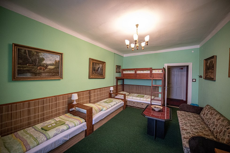 Hotel Corrado kde byli ubytování dva příslušníci ruské tajné služby GRU, 20. dubna 2021 v Ostravě. Agenti Anatolij Čepiga a Alexandr Miškin se v hotelu ubytovali v roce 2014. Jeden z pokojů.