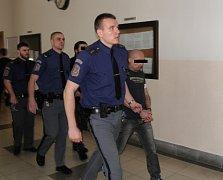 Gruzínci v rámci odvolacího řízení zažili šok. Čekali potvrzení původního verdiktu, po kterém by mohli odcestovat domů. Soud je místo toho poslal za mříže.