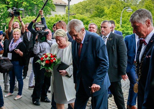 Návštěva prezidenta Miloše Zemana vMoravskoslezském kraji. Uvítání na Krajském úřadě.