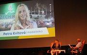 Aktuálně 29. hráčku světového žebříčku Petru Kvitovou si mohli užít diváci v jejím rodném Fulneku.