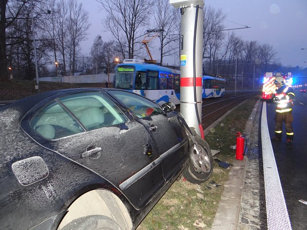 Pondělní ranní nehoda v Ostravě.