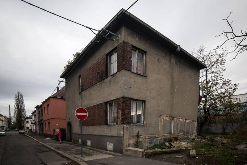 Jeden z domů poslance SPD Lubomíra Volného v Ostravě-Přívoze, listopad 2017.