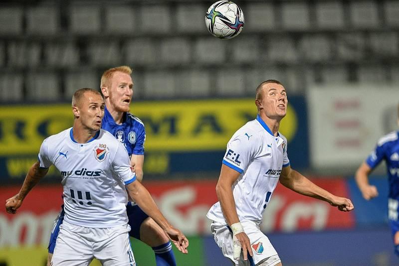 Utkání 8. kola první fotbalové ligy: SK Sigma Olomouc - FC Baník Ostrava 17. září 2021 v Olomouci. (vpravo) Ladislav Almási z Ostravy.