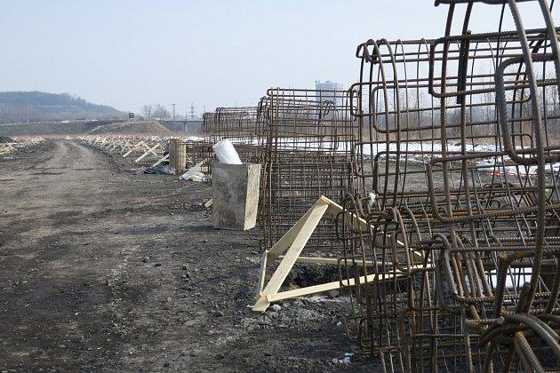 Stavba outletového centra pokračuje.