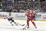 Čtvrtfinále play off hokejové extraligy - 4. zápas: HC Vítkovice Ridera - HC Oceláři Třinec, 25. března 2019 v Ostravě. Na snímku (zleva) Rastislav Dej a Vladimír Roth.