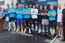 Volejbalisté VK Ostrava zahájili přípravu na nadcházející ročník extraligy pod vedením nového trenéra Richarda Vlkolinského.