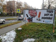 Na území Mariánských Hor a Hulváků jich už brzy bude celkem tři sta. Kuřáky o nich informují i billboardy v ulicích.