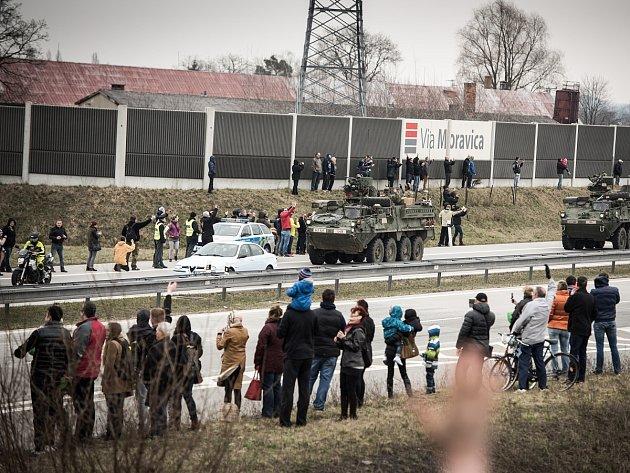 Průjezd americké armády Ostravou.