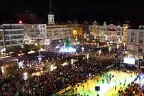 Rozsvícení vánočního stromu v Ostravě objektivem čtenáře Deníku.