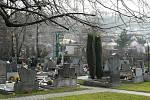 Hřbitov v domovské obci Jilešovice. Vitásků zde leží nejvíce.