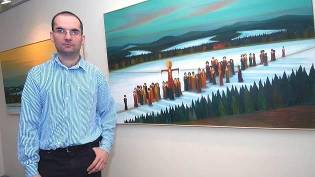 Jaroslav Valečka na výstavě svých obrazů v Galerii Beseda