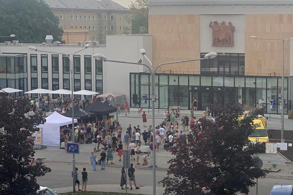 Velká žranice sLukášem Hejlíkem a místními bistry v Ostravě-Porubě.